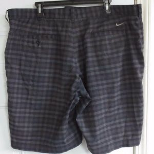 Nike Golf Gray Checkered Size 40 Dri Fit Shorts